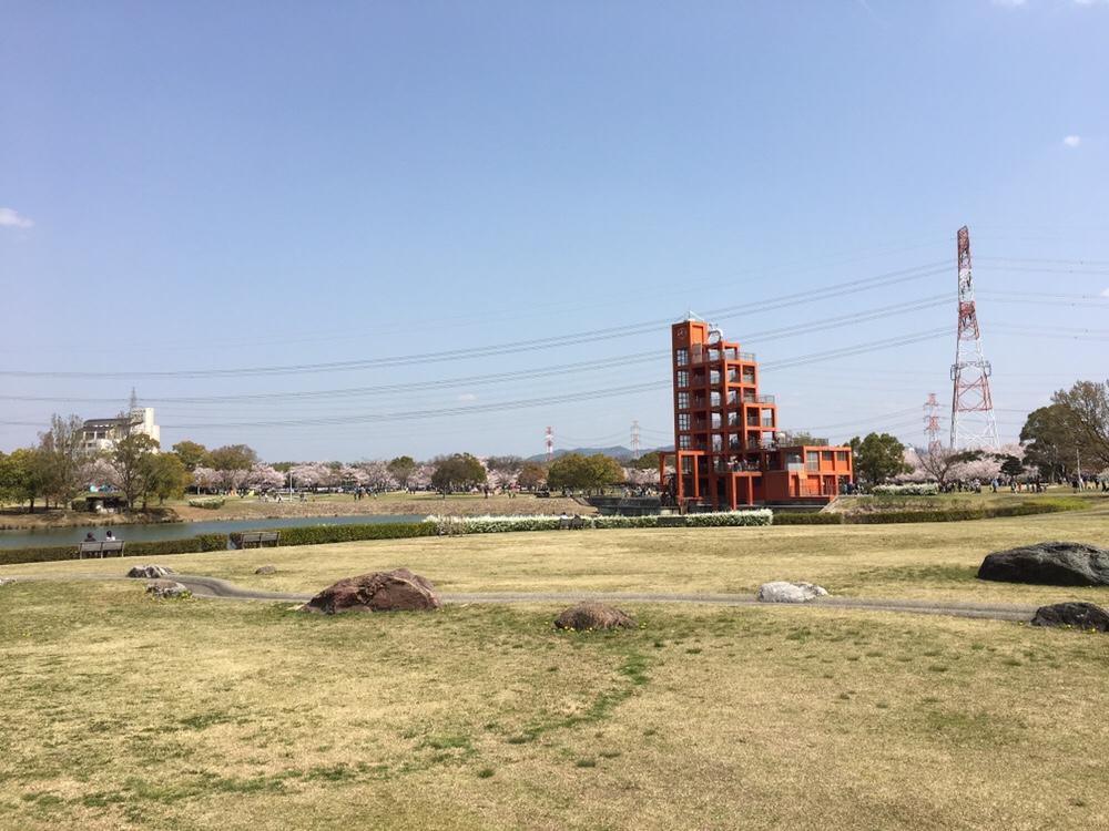 春日井市落合公園のフォリー・水の塔