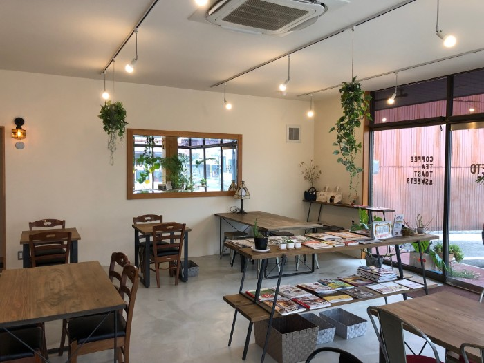LIETO cafe 解放感ある窓