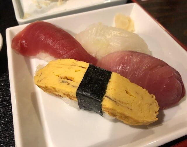 甚五郎の夜だけセット2番のお寿司
