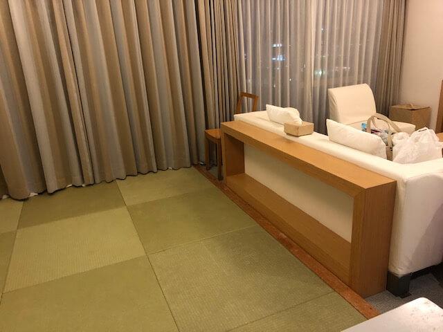ザ・ビーチタワー沖縄のお部屋は和洋室で収納も多い