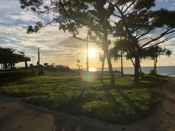 ビーチタワー沖縄からすぐの海